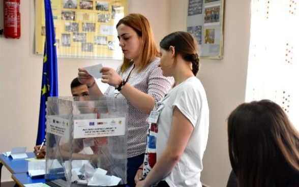High school students and first-time voters rehearsing for elections at the Foreign Languages School in Tirana, May 2017