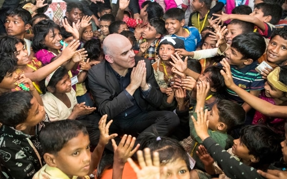 PResdient Alain Berset visiting the Rohingya Kutupalong refugee camp in the district of Cox's Bazar