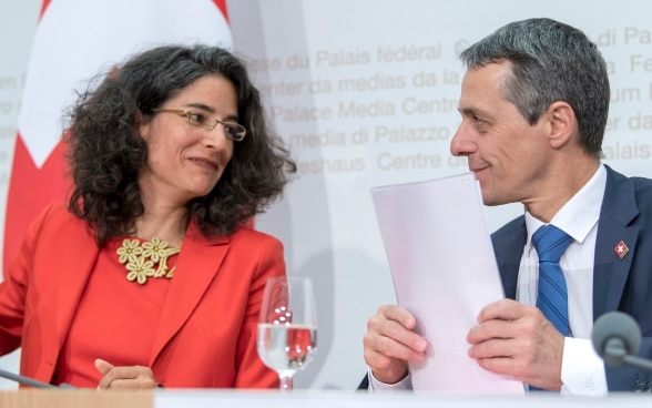 Federal Councillor Ignazio Cassis and Corinne Cicéron Bühler at the press conference.