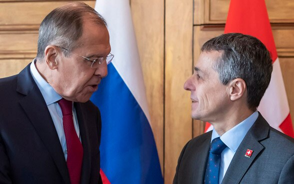 FDFA Head Ignazio Cassis meets his Russian counterpart, Sergei Lavrov for bilateral talks.