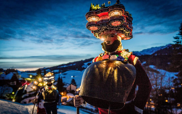 People wearing masks at the Basel Fasnacht procession