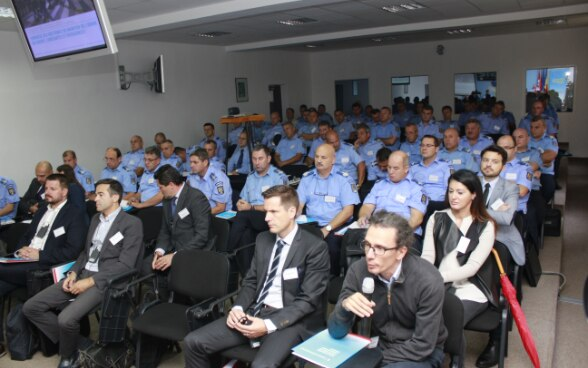 Romanian Gendarmerie's Crowd-control capacity improved through a Swiss- Romanian cooperation  project