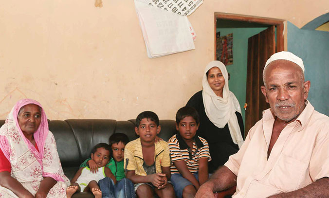 Well before the tsunami, Abdul Latheef had decided to leave his house to his daughter as a dowry. The SDC funds enabled him to rebuild the damaged building in 2004. He has since settled into a modest house nearby and likes to visit his grandchildren when time allows. © R.H. Samarakone/SDC