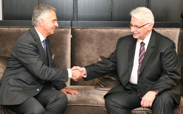 Federal Councillor Didier Burkhalter with the Polish Minister of Foreign Affairs Witold Waszczykowski. © FDFA