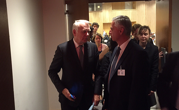 Federal Councillor Didier Burkhalter with the French Foreign Minister, Jean-Marc Ayrault.