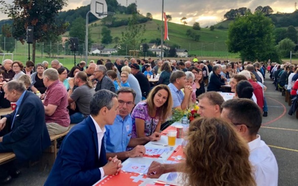 "The public turned out in great numbers. Ignazio Cassis enjoyed spending the evening in ""one of the most historical, picturesque and warm-hearted regions of Switzerland""."