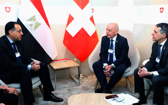 Federal President Ueli Maurer and Federal Councillor Ignazio Cassis in talks with Egyptian Prime Minister Mostafa Kamal Madbouli Mohammed.